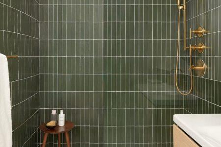 Badezimmer; Dusche; Innenräume; Grüne U-Bahn-Fliesen; ... - #Bad #Grün #Inter ...