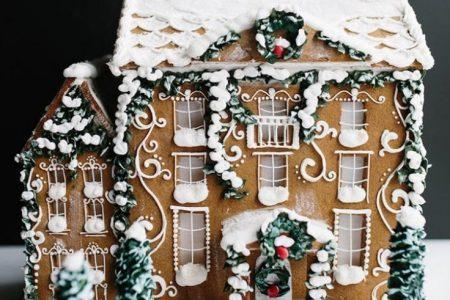 Schöne Weihnachtslebkuchen-Haus-Ideen - erröten Sie u. Kiefer