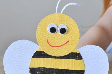 Unglaublich süßes Bienenfingerpuppenhandwerk