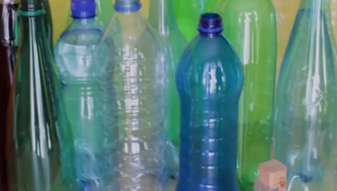 50% RABATT NUR HEUTE Tragbarer intelligenter Plastikflaschenschneider