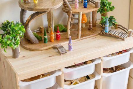 DIY Baumhaus für kleine Welt spielen - kleine lebenslange Lernende