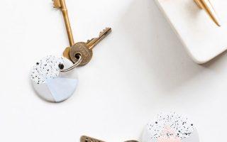 Speckled DIY Clay Keychain - Zucker & Stoff DIY Home Decor