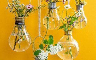 """Hängende Glühbirnen Pflanzgefäße & Vasen DIY für """"Urban Jungle Bloggers"""""""