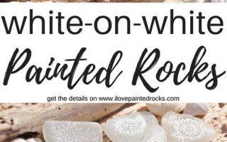 Weiß auf Weiß gemalte Felsen