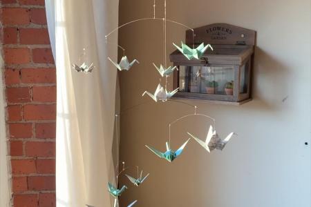 Aqua Ocean Print Mobile mit Origami-Papierkränen
