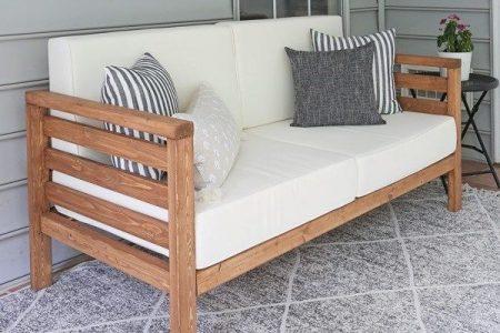 DIY Outdoor Couch - Angela Marie gemacht
