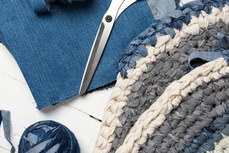 Kaputte Jeans nicht wegwerfen - das alles kann du dich machen machen!