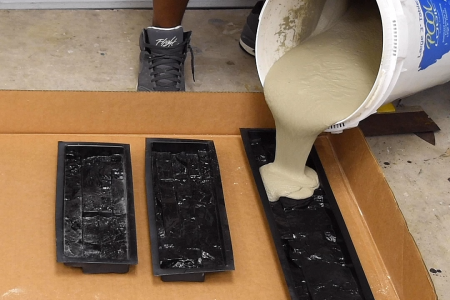 Wie man gestapelte Betonsteine herstellt (in einer Stunde)