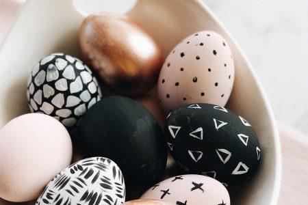 Tutorial: DIY Chic Easter Painted Eggs vom Target Dollar Spot! - Alfa Sengupta