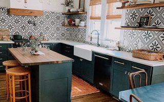 Mutige Muster und organische Materialien schaffen ein unvergessliches Küchendesign Hun ..., Bold Patt ...