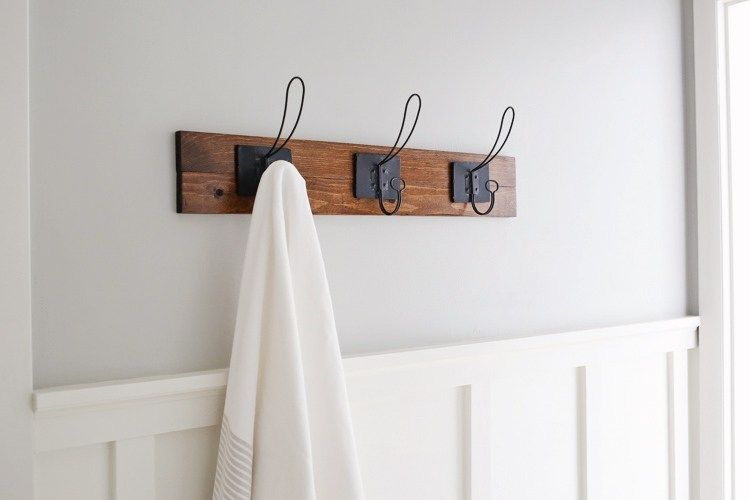 15 großartige Ideen zur Aufbewahrung von Badetüchern für Ihr nächstes Wochenendprojekt