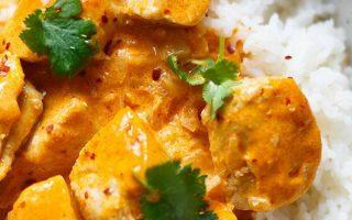 Einfaches Hühnchen-Curry mit Kokosmilch (30 Minuten!) - Kochkarussell