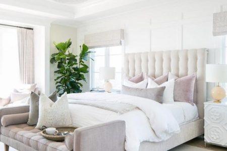 Ein Haus mit Aussicht - schönes feminines Schlafzimmer Design #femininebedroom #bedroo ...