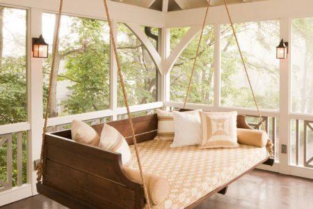 Stilvolle DIY Veranda Schaukeln für die Entspannung im Freien